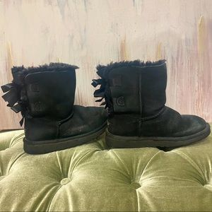 Ugg girls Bailey bow furry boots